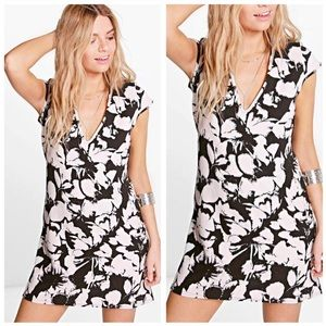 NEW Boohoo Audrianna plunge cap sleeve shift dress